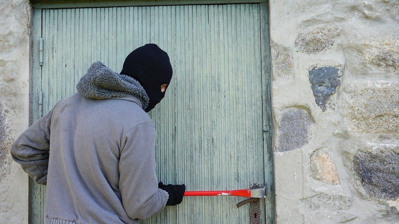 Ochrana domu před zloději: co nejčastěji odradí zloděje