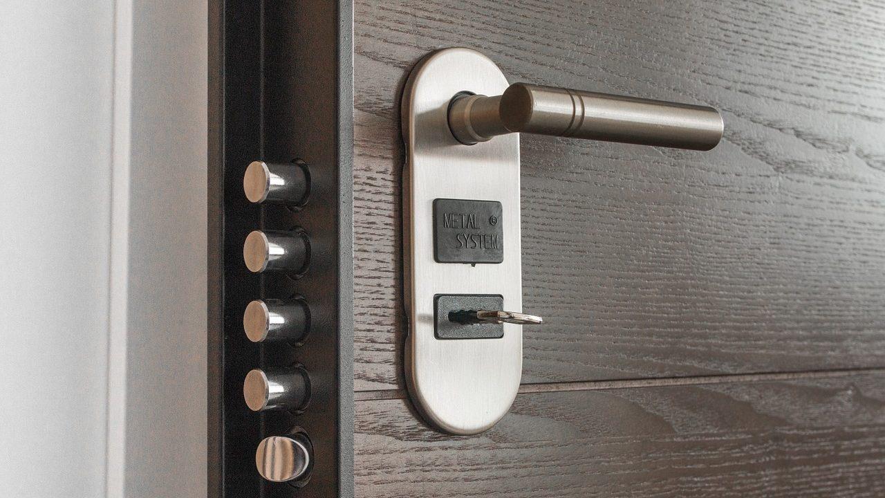 Jak vybrat bezpečnostní vchodové dveře