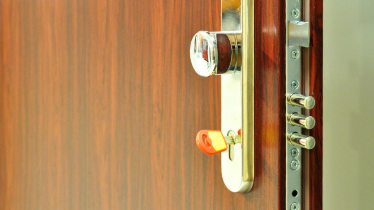Klíče od bezpečnostních dveří: co dělat, když je ztratíte nebo potřebujete nové