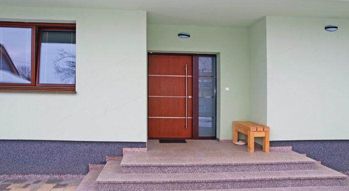 Jak probíhá výměna vstupních dveří? Krok za krokem